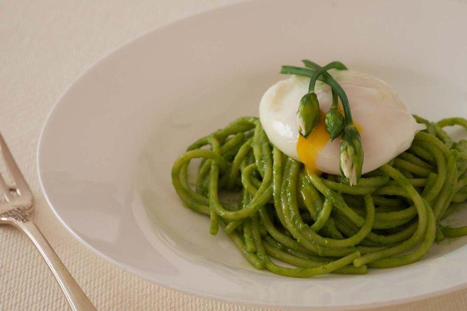 Wild garlic pesto spagetti